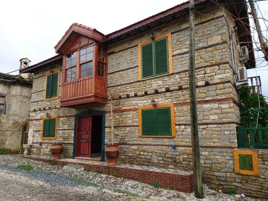 tarihi-binalarda-kayrak-tasi